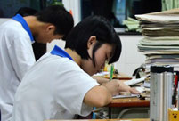 Students in last-minute effort for Gaokao