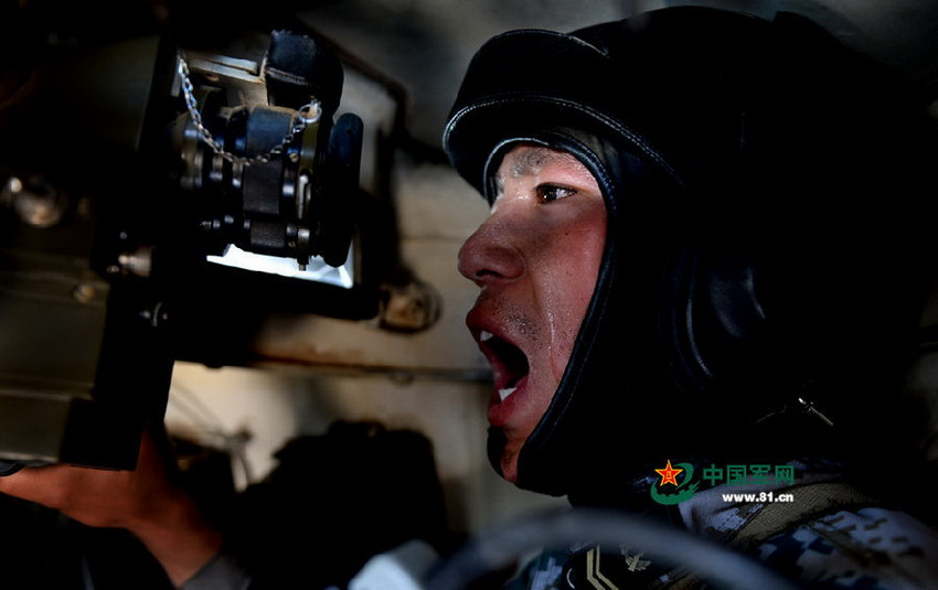 PLA units hone their tank combat skills