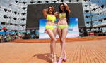 Bikini show held at water park in Xi'an