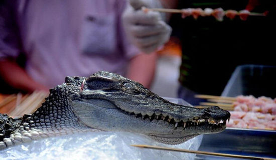 Crocodile skewers sold in Shenyang