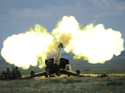 Artillery regiment of Beijing Military Region conducts live firing drills