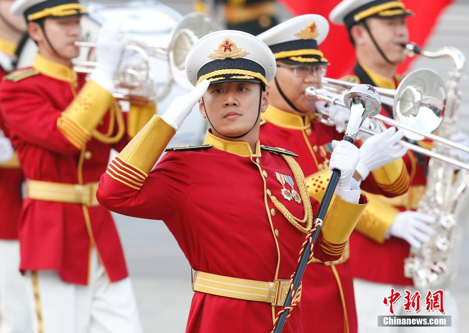 Guard of Honor of PLA shows up in new uniform