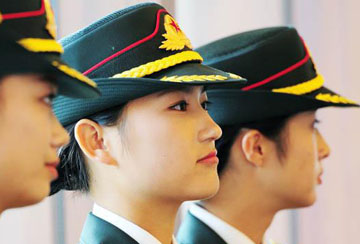 MOD website publishes photos of female PLA honor guards