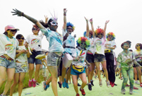 'Rainbow running' race in Jiangxi