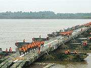 PLA builds 500m pontoon bridge in 15 minutes