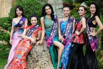 Contestants of Mrs. Globe pose for photo in Shenzhen
