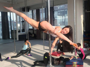 Chinese pole dancing master opens class in Tianjin