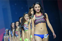 Chinese beauties, foreign models meet in Chengdu