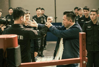 Police officers learn Wing Chun in E. China