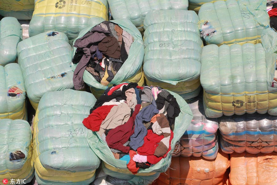 Shenzhen seizes 549 tons of illegally smuggled clothing, mainly obtained from landfills and morgues