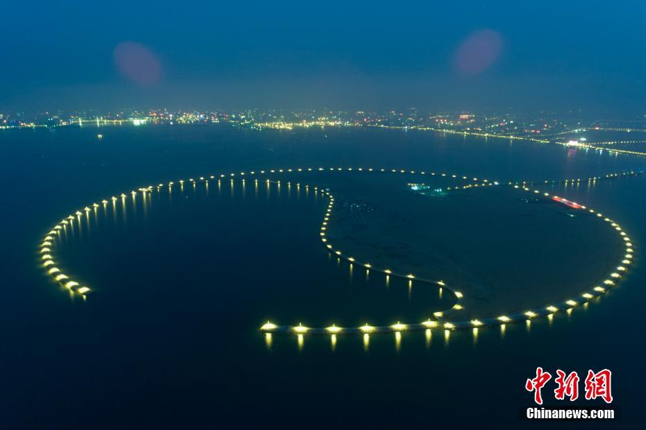 Eco-Island lights up Haikou