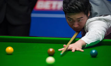 Chinese teenager Yan beaten by Murphy in snooker worlds