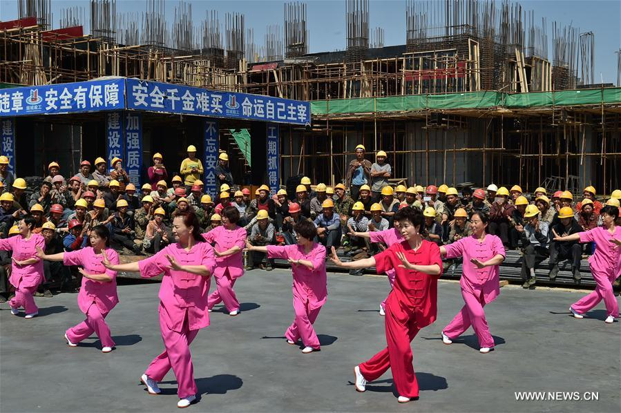 Migrant Workers From Sw China Gather Together To Mark Labor Day