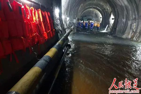 Unprecedentedly complex tunnel construction enters its final stage