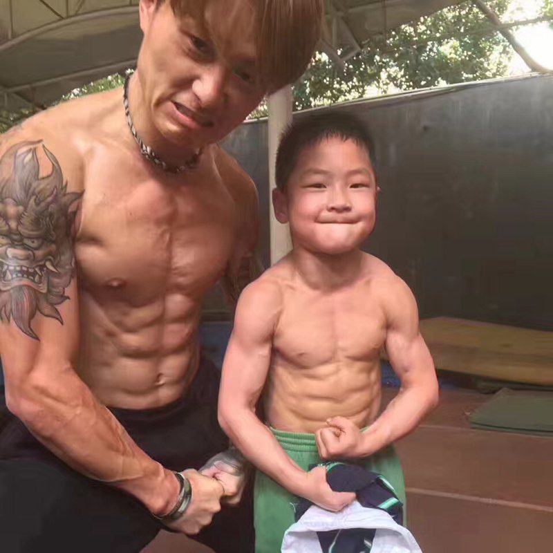 ripped 7yearold hangzhou boy has coveted 8pack people