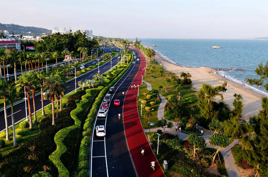 Enjoy the scenic coastline along Xiamen's ring road