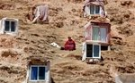 Secluded monastery complex attracts 20,000 or so Tibetan nuns, and more are coming
