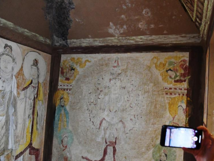 College students duplicate Mogao No. 3 Cave