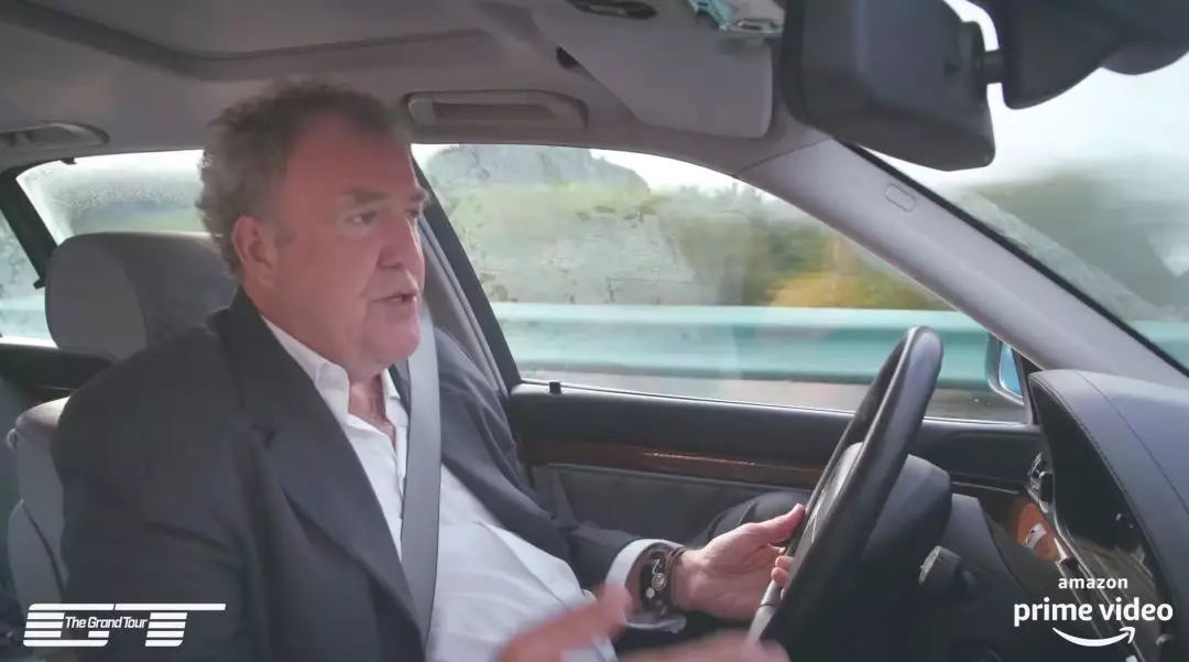 Jeremy Clarkson gives thumbs-up to China's road network