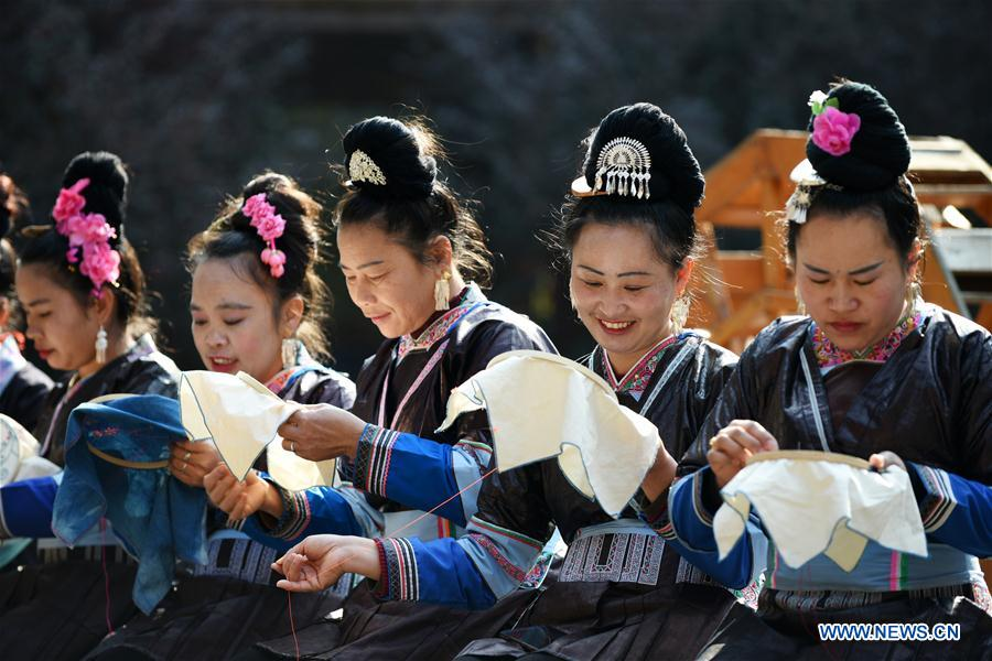 Cultural, creative project provides skill training for women in poverty in Guizhou, SW China