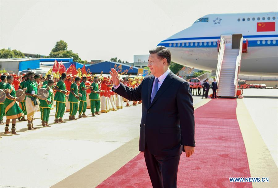 Chinese President Xi Jinping waves to local people upon his arrival in Chennai, India, Oct. 11, 2019. At the invitation of Indian Prime Minister Narendra Modi, Chinese President Xi Jinping arrived in the southern Indian city of Chennai on Friday afternoon for the second informal meeting with Modi. (Xinhua/Xie Huanchi)