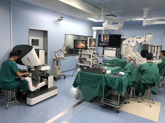 Robot Performs First Prostatectomy In Shanghai People S Daily Online