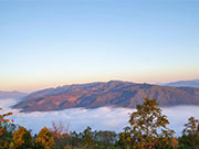 Breathtaking sea of clouds over Jingmai Mountain in Yunnan