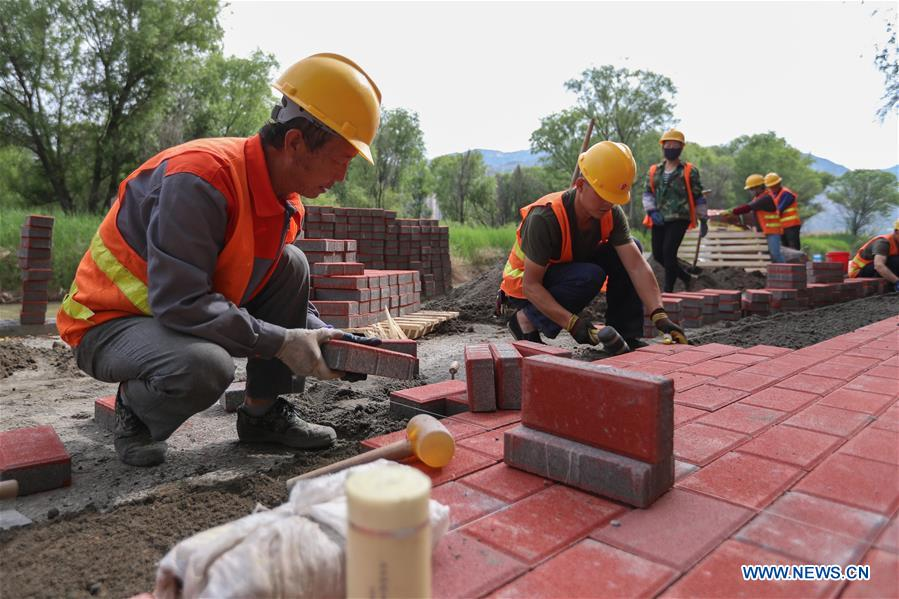 Footpath along Yellow River in Lanzhou to be put into use in July