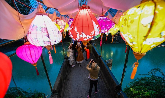 Temple fair kicks off in Longmen Ancient Town of Hangzhou