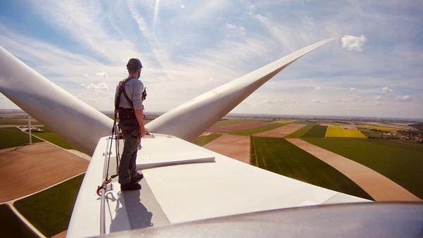 CGN holds open day event at wind farm in France