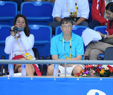 Bill Gates watches Olympic badminton matches