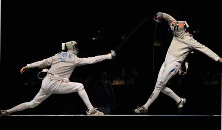 Feature: Zhong Man grabs Olympic fencing gold for China after 24 years