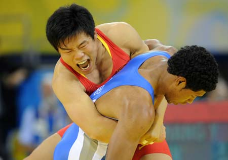 Chinese gets first men\'s wrestling silver