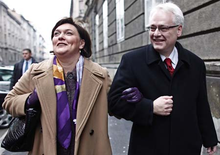 Josipovic wins Croatia's presidential election runoff