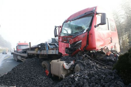 2 killed, 6 injured in highway pileup in C China