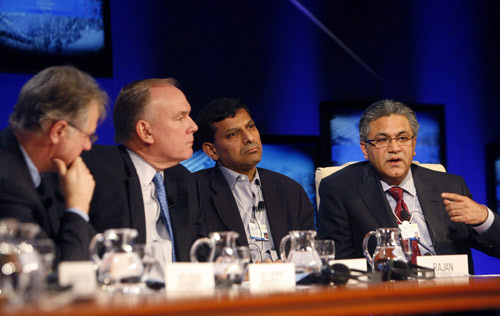 Participants attend session at WEF in Davos