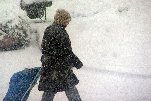 Heavy snowfall sweeps Turkey's Tekirdag