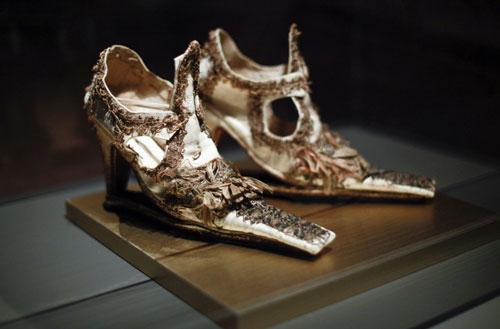 On a Pedestal: From Renaissance Chopines to Baroque Heels