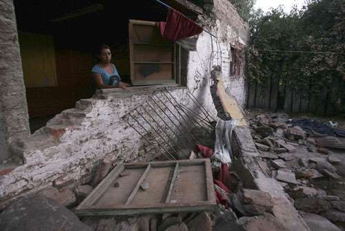 Southern, central Chile hit hard by massive quake