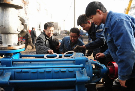 Efforts made to rescue 31 trapped miners in N China
