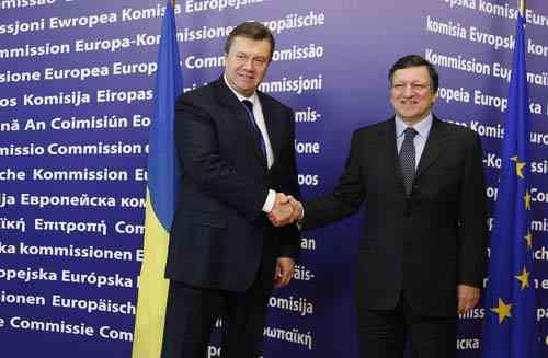 EU urges Ukraine to embark on thorough reforms