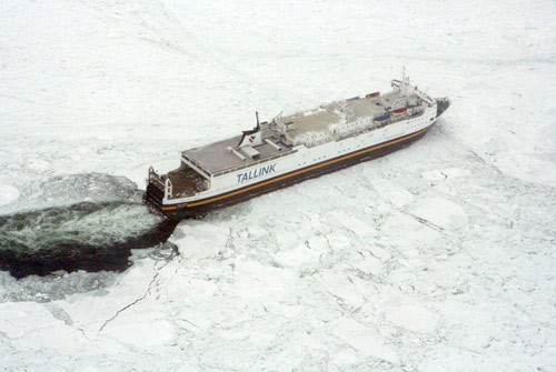 50 ships stuck in Baltic thick ice