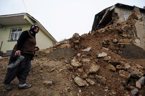 Turkey pledges swift reconstruction after strong earthquake