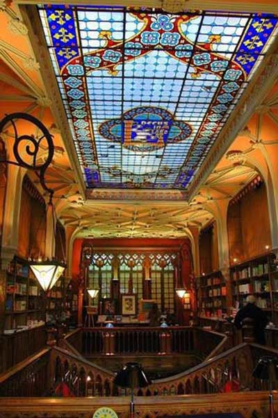 Top 10 Best Bookstores Around The World You Should Know 3