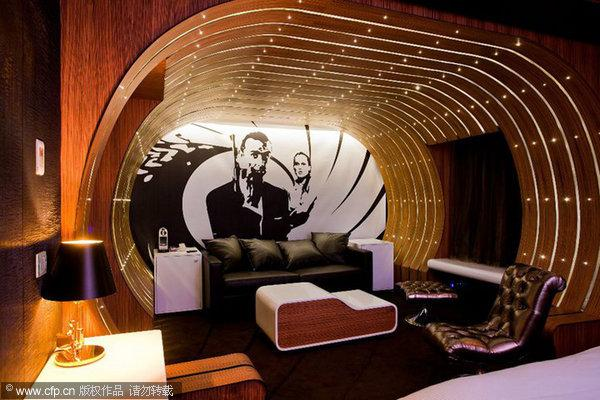 007-themed suite provided for fans of James Bond - People's Daily ...