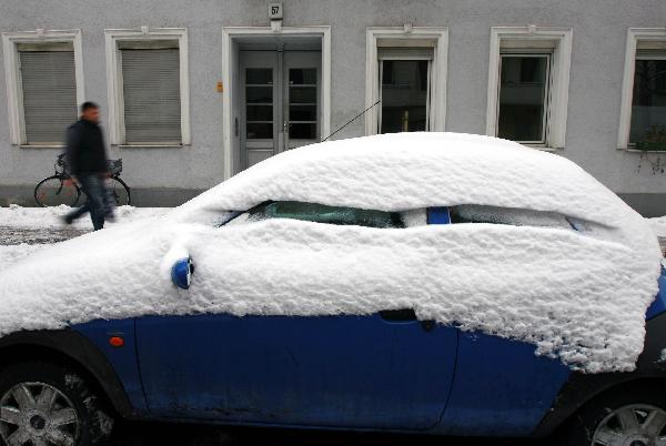 Heavy snow hits Berlin