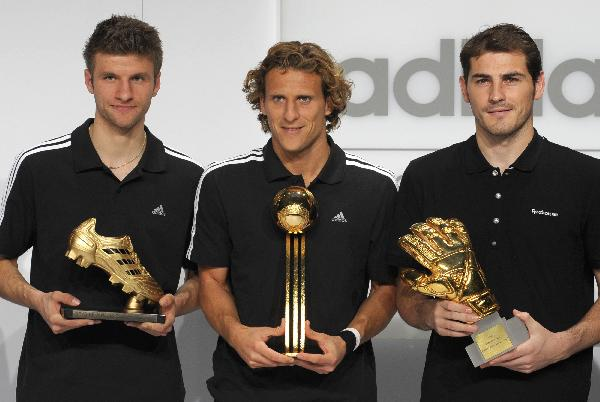 Forlan awarded Golden Ball