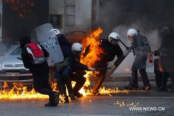 Violence again erupts during general strike in Athens