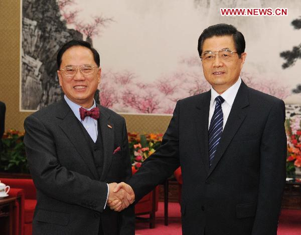 President Hu meets with HK chief executive in Beijing