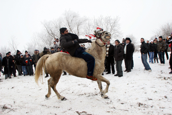 Horse-riding competition held to welcome spring